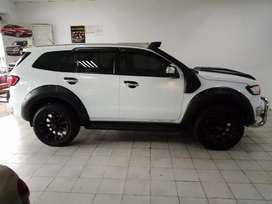 White Ford Everest XLT 4WD Auto SUV  3.2