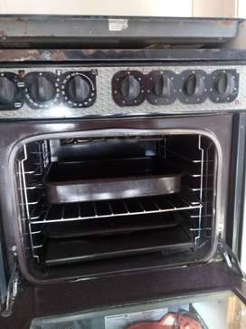 Kelvinator Hob, Oven and Extractor