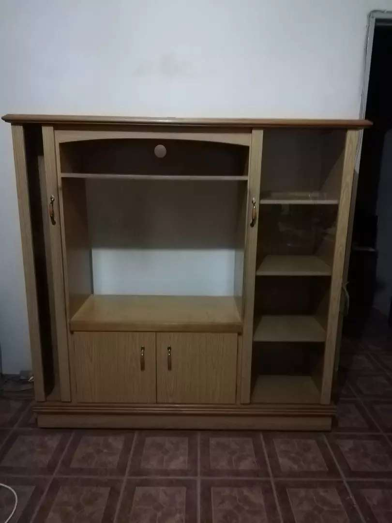 Brown/ Cresm TV and DVD wooden unit. 0