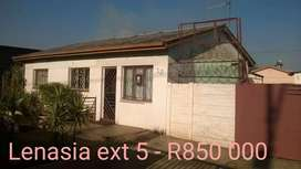 3 bedroom house for sale in Lenasia ext 5 R850 000