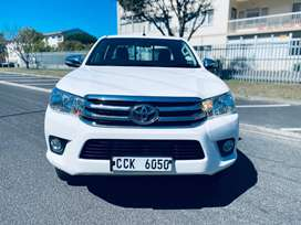 2017 TOYOTA HILUX S/CAB