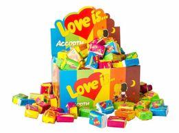 Жвачки Love is поштучно и блок ассорти. Супер подарок в сердечке