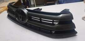 Toyota Hilux gd6 - Front Grill (like new)