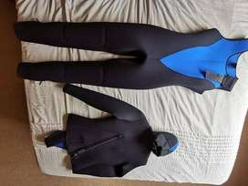 Barely used Coral scuba wetsuit