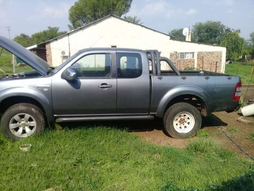 Ford Ranger club cab for sale 0
