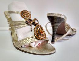 bs15 srebrne sandały na szpilce z aplikacją cyrkonie złoto (25,5 cm) r
