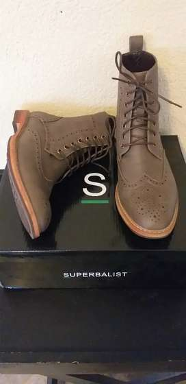 Mens formal boots.size 8
