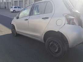 2006 TOYOTA YARIS 1.3i STRIPPING FOR SPARES