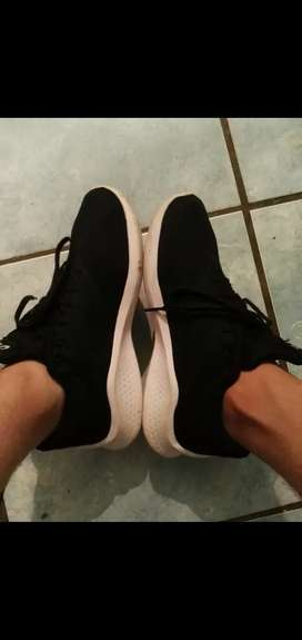 Looking for shoes like these plz any only second hand ones NOT new