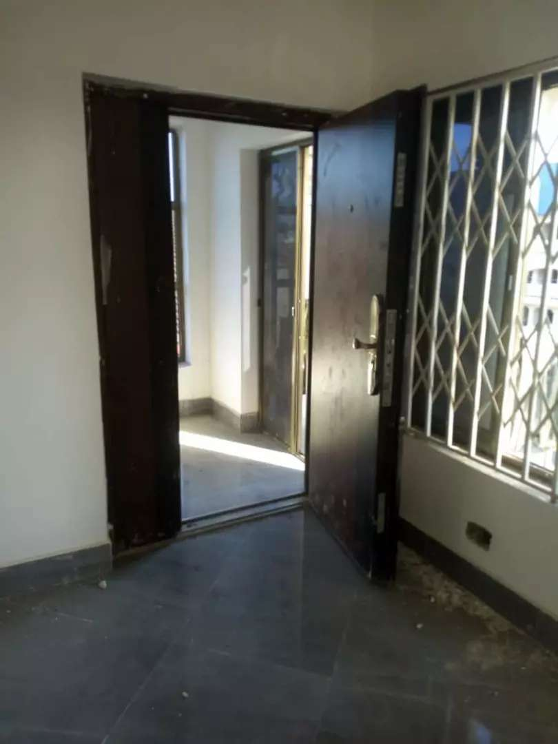 DOME K. BOAT - Executive 3 Bedroom Apartment for Rent 0