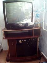 Телевизор Филипс 20дюймов(51см)с тумбой.