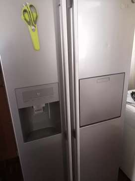 LG Double door frost free fridge