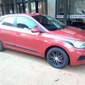 Hyundai i20 1.4 Dsg 2017 model Marron in color