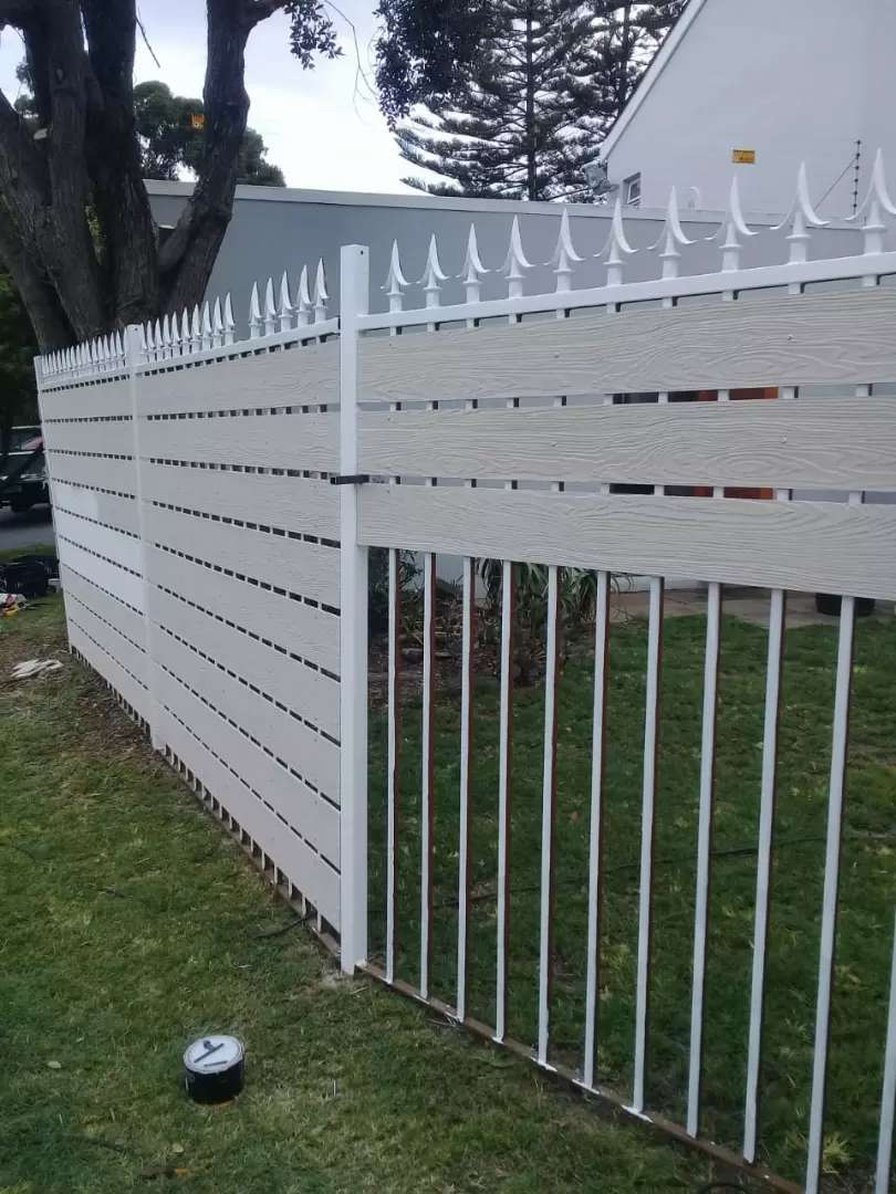 Nutec fence and houses 0