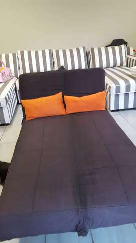 Black sleeper couch