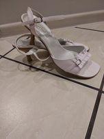 Białe sandały, rozmiar 40.