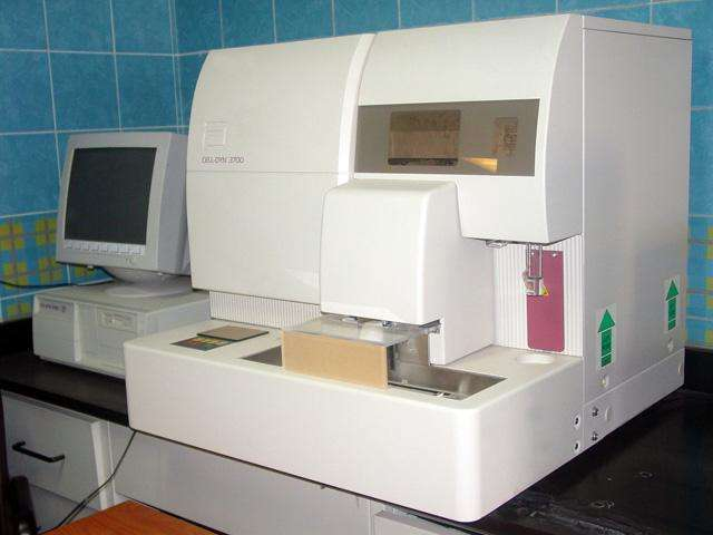 USED CELL DYN 3700 HEMATOLOGY ANALYZER 0