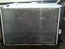 W204 Mercedes Benz Radiator in very good condition