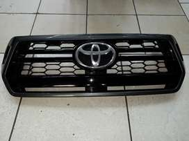 HILUX GD6 FRONT GRILL
