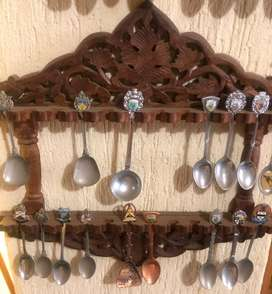 2X Wall mounted spoon display incl spoons