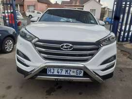 2018 Hyundai Tucson (2.0) Manual with Service Book