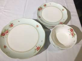 Saint James Fine China 6 place dinner set