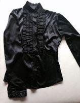 Koszula, żabot, elegancka atłasowa, czarna w rozmiarze S/36.