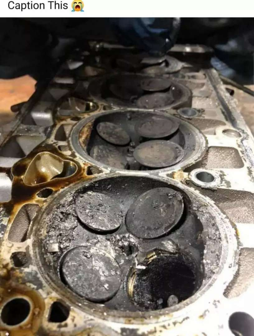 Engine and cylinder head 0