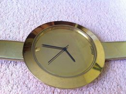 Złoty zegarek modny jak mohito h&m