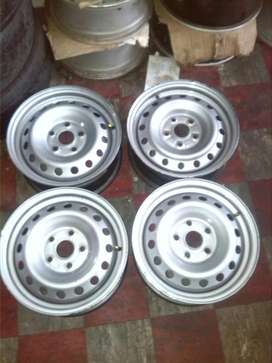 "15"" Toyota rims and tyres"