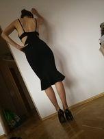 Sukienka czarna wycięta