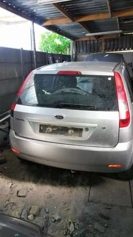 2005 Ford fiesta breaking for spares
