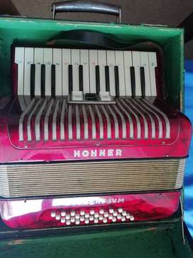 Music Instrument Hohner Accordion for Sale