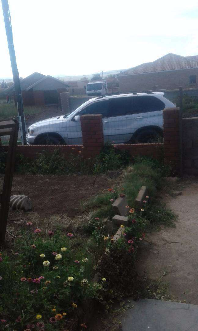 BMW x5 2003 good condition 269000kms 0