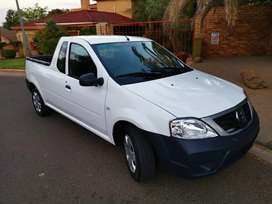 2017 nissan NP200 1.5dci aircon and safety pack.