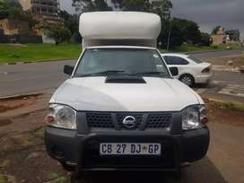 2012 Nissan Np300 HARDBODY with Canopy leather seats