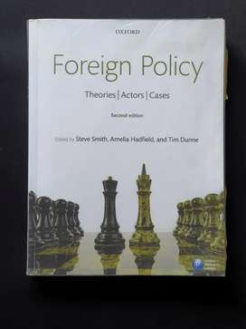 Foreign Policy - theory,actors,cases. Second edition.