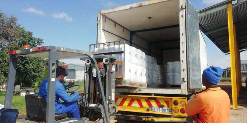 8 Ton trucks and Bakkie for hire