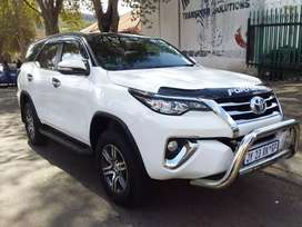 2017 Toyota Fortuner 2.4 GD6 leather seat