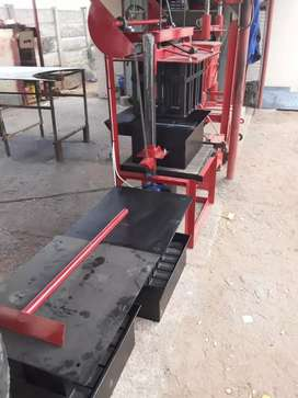 Static Brickmachine with 3 moulds for sale