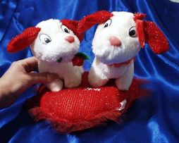 Игрушка - подушка - валентинка, две собачки на подушке сердцем