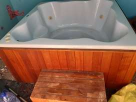4 Seater Deluxe Jacuzzi TECHNO SPA
