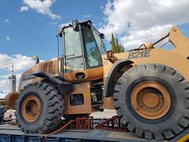 FRONT END LOADER FOR SALE!! MAKE : CASE 821 E, 2011 MODEL.