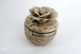 Szkatułka ceramiczna na obrączki