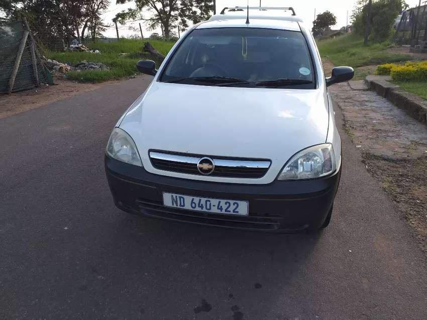 2010 corsa with canopy,accident free 0