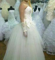 Продам шикарное свадебное платье совершенно новое размер 46