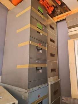 ×5 shelve drawers good condition