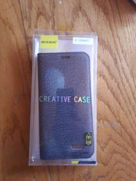 Beautiful cell phone covers. (RICH BOSS)