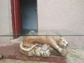 Lion coffee table