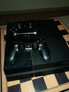Playstation 4 (ps4) with 2 controllers